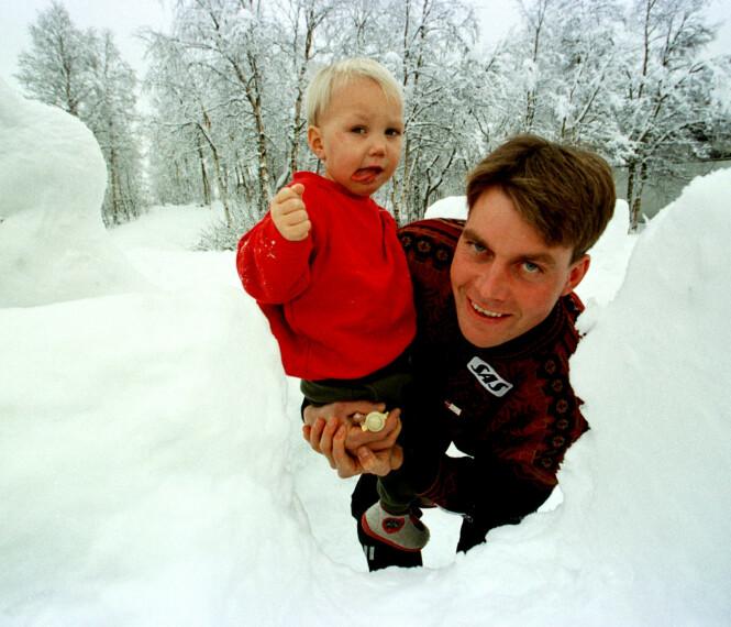 FAR OG SØNN: Erling Jevne og sønnen Erich Iver avbildet i 1997 - to år før den grufulle ulykken inntraff. Foto: NTB Scanpix