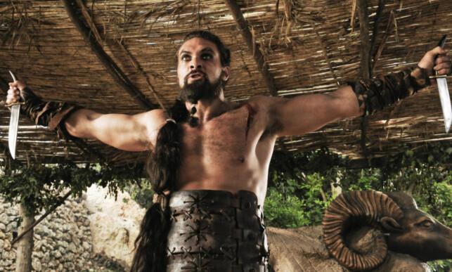KHAL DROGO: Jason Momoa var å se i den første sesongen av suksesserien «Game of Thrones», i rollen som lederen av Dothraki-folket. Foto: AP / HBO / NTB Scanpix
