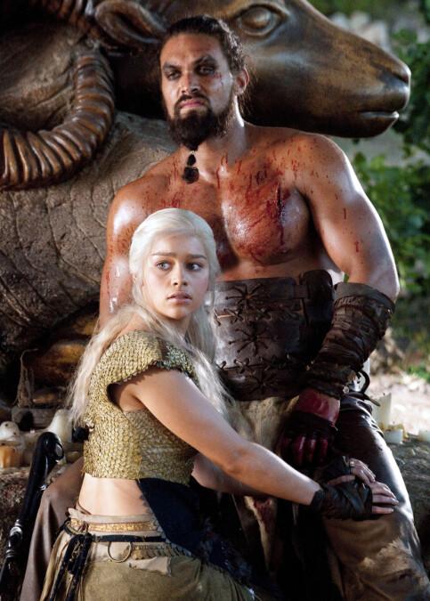 TV-PAR: Khal Drogo og Daenerys Targaryen (spilt av Emilia Clarke) giftet seg i sesong én av fantasyserien «Game of Thrones». Foto: AP / HBO / NTB Scanpix