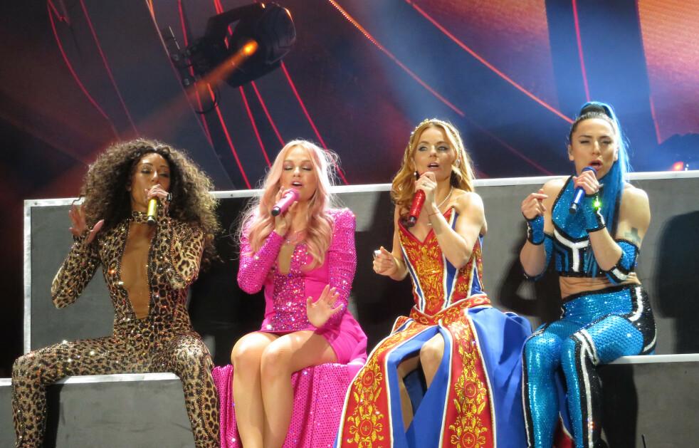 SPICE GIRLS: Den populære 90-tallsgruppa er sammen på scenen igjen - denne gang uten Victoria Beckham. Foto: Scanpix