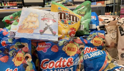 <strong>GODTERI:</strong> En del produkter lønner det seg å kjøpe på danske supermarkeder, fremfor på danskebåten. Foto: Kristin Sørdal