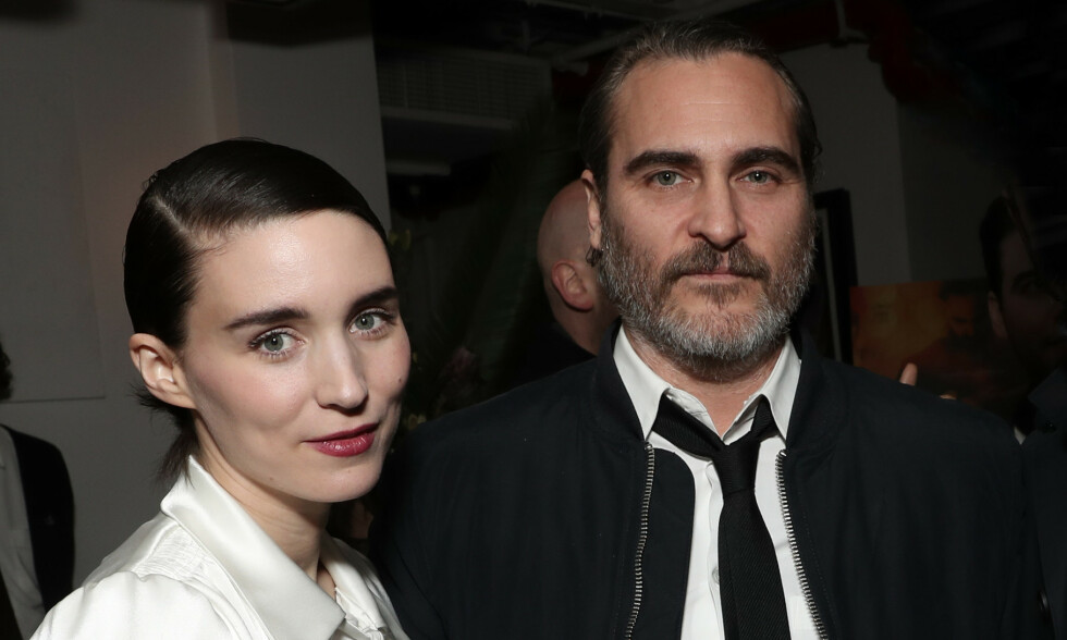 PLANLEGGER BRYLLUP? Etter rundt to år som kjærester går det nå rykter om at Joaquin Phoenix har fridd til Rooney Mara. Foto: NTB Scanpix