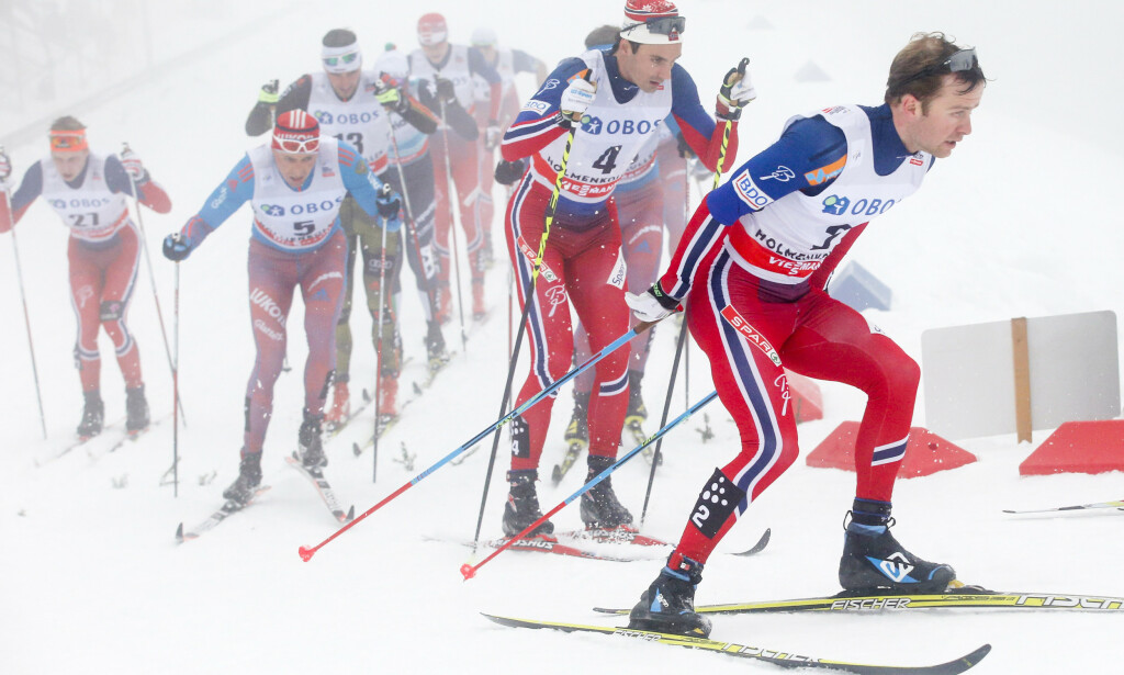 FELLESSTART: Sjur Røthe og Hans Christer Holund i front under femmila i 2016. Foto: NTB Scanpix