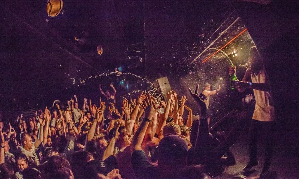 KLUBB: Om kveldene arrangeres det fester i forskjellige klubblokaler over hele København. Foto: Hell Gate Media / REX