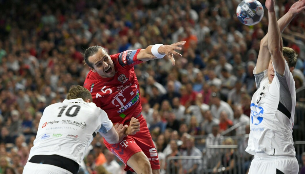 <strong>TAPTE:</strong> Kent Robin Tønnesen og Veszprém måtte nøye seg med sølv i mesterligafinalen. Foto: INA FASSBENDER / AFP / NTB Scanpix