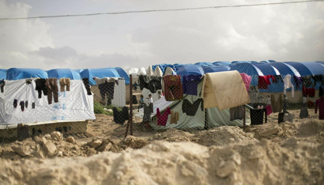 Kvinnene ble funnet her i Al-Hol nordøst i Syria. Foto: AP / NTB scanpix