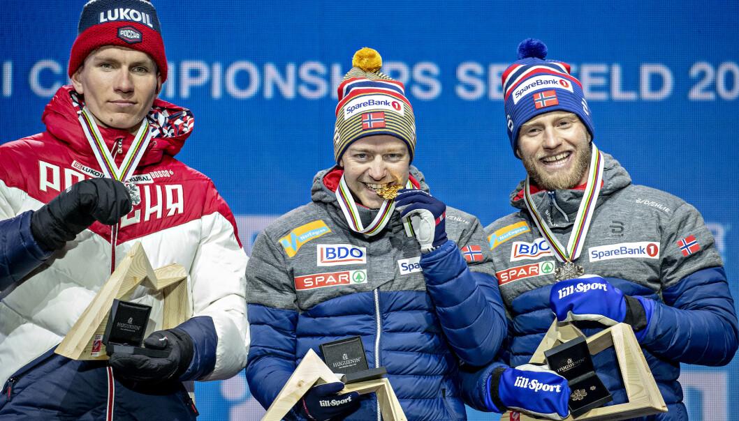 DRØMMESESONG: Sjur Røthe ble verdensmester på VM-tremila i Seefeld foran Aleksandr Bolsjunov og Martin Johnsrud Sundby. Foto: Bjørn Langsem / Dagbladet