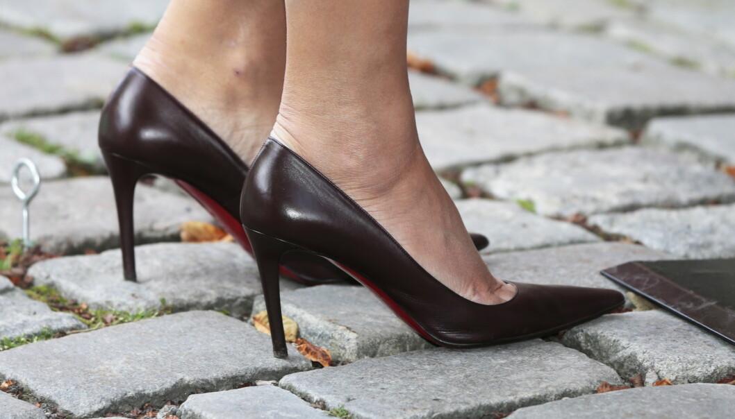 Japan: Kvinner krever slutt på høye hæler på jobb