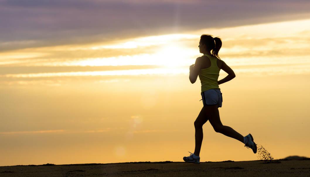 LØPESKADE: Å ikke løpe på asfalt er et viktig råd i forebyggingen av runner's knee, eller løperkne, skriver KKs treningsekspert Christian Torp. FOTO: NTB Scanpix