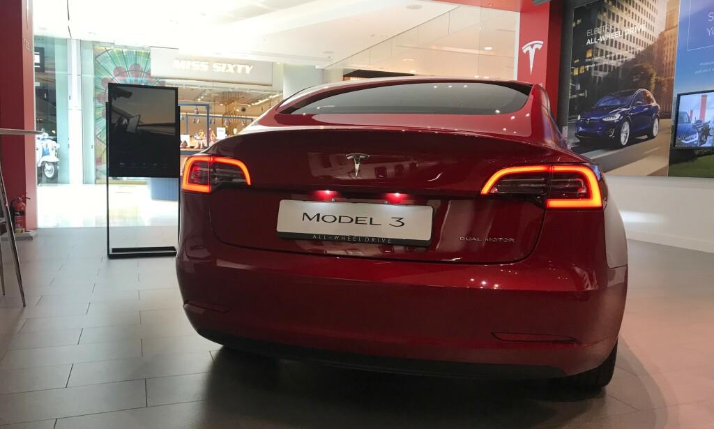 BILSALGET I MAI 2019: Tesla og Model 3 leder fortsatt registreringsstatistikken så langt i 2019, men i mai tar både Volkswagen og spesielt Toyota et stort jafs innpå i toppen av <i>tabellen</i>. Foto: Øystein B. Fossum