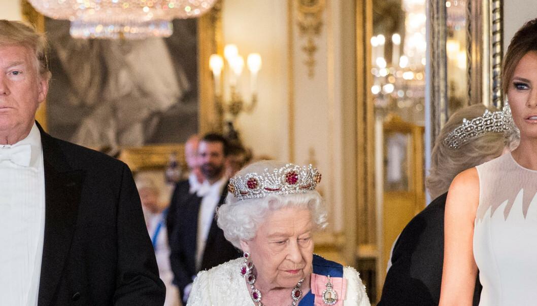 Får kritikk etter bankett med dronningen