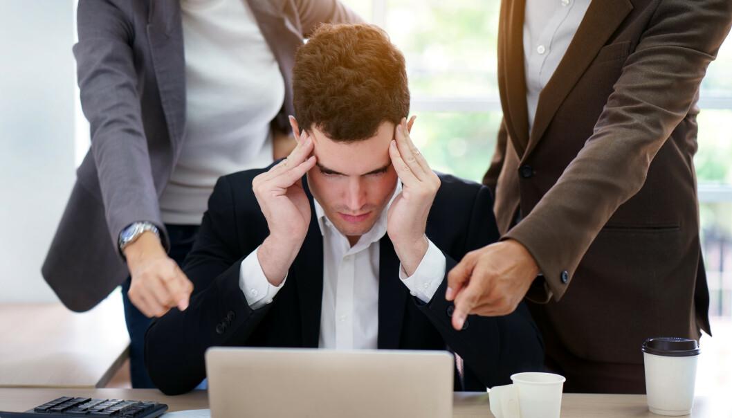Hvordan vi mottar korrigeringer og måten kritikken kommuniseres på er avgjørende faktorer for hvordan vi trives på arbeidsplassen, mener psykologen. (Illustrasjonsbilde)