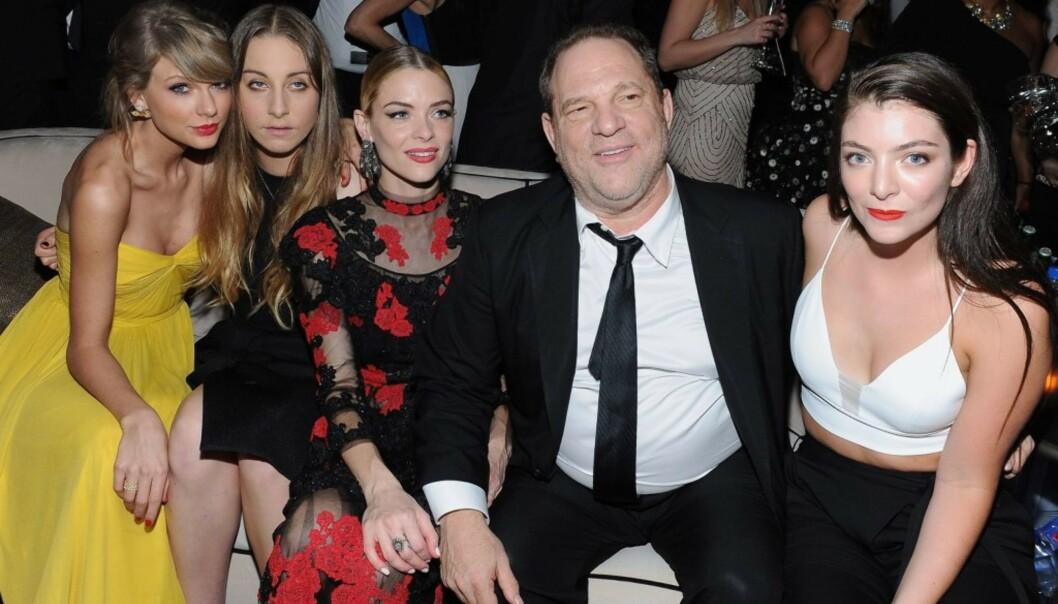 <strong>MEKTIG:</strong> Filmprodusent Harvey Weinstein har siden høsten 2017 blitt anklaget av mer enn 60 kvinner for voldtekt, seksuelle overgrep, sextrakassering, trusler og trakasserende oppførsel.Her er han avbildet på Weinstien Company &amp; Netflix-festen etter Golden Globe-utdelinga i 2015, sammen med Taylor Swift, Este Haim, Jaime King og Lorde. Foto: AFP/ NTB scanpix