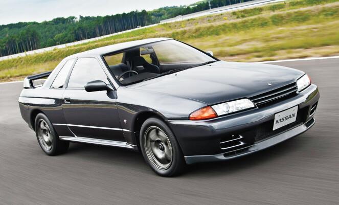 <strong>LEGENDEN:</strong> GT-R slik mange av oss kjenner dem. Firehjulsdrift, turbomotor. Den relativt store bilen gjorde stor suksess på bane. Foto: Nissan