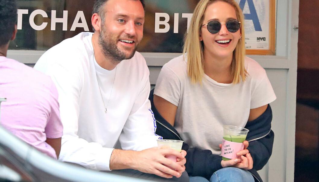 <strong>BLIR MANN OG KONE:</strong> Jennifer Lawrence og Cooke Maroney forlovet seg i vinter. Foto: NTB Scanpix