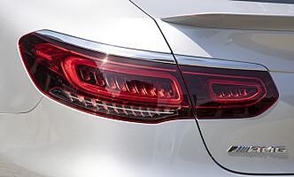 <strong>LED:</strong> Baklyktene har fått ny design, men du ser det nesten ikke før de tennes i mørket. Foto: Mercedes