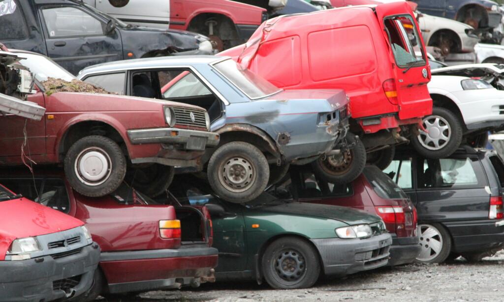 BYTTE TIL ELBIL: Bilbransjen ønsker at flere bytter til ny elbil, og ber om høyere vrakpant. Foto: Scanpix