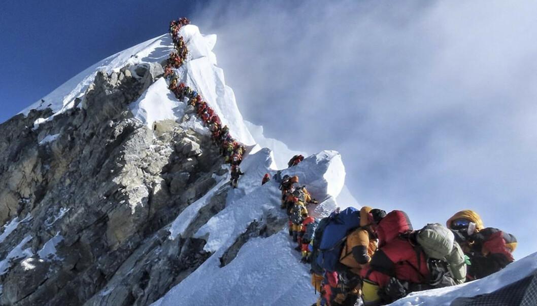 Dette bildet av de lange køene på Mount Everest under årets klatresesong, har gått verden rundt. (Foto: Nirmal Purja / Nimsdai Project Possible / AP / NTB scanpix.).