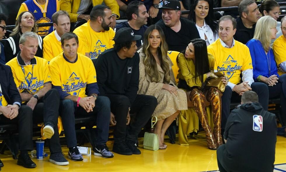 DRAPSTRUSLER: Etter at en video av dette øyeblikket spredte seg på internett, fikk Nicole Curran (nummer tre fra høyre) enorme mengder kritikk fra Beyoncés fans. Foto: NTB Scanpix