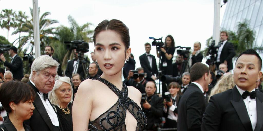 image: Risikerer å bli bøtelagt for lettkledd Cannes-kjole