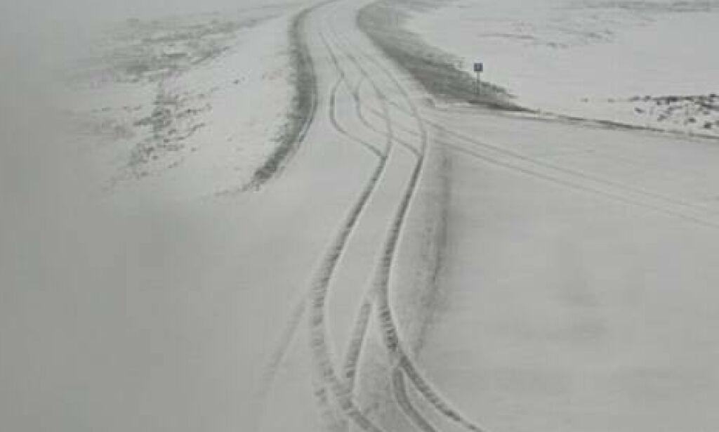 image: Politiet advarer: Snø og glatte veier
