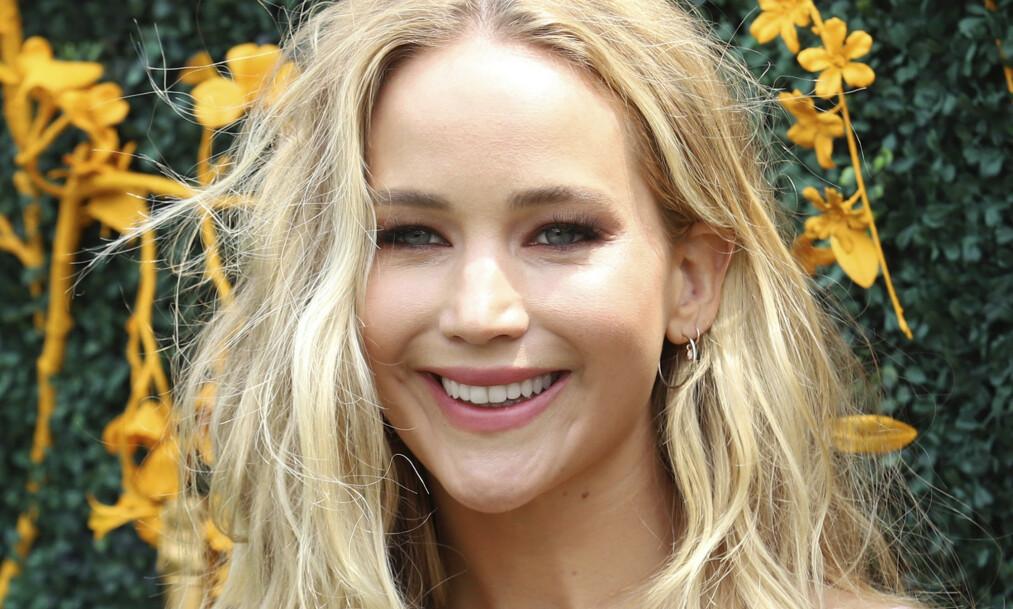 GIFTER SEG: Jennifer Lawrence forlovet seg med Cooke Maroney i vinter. Foto: NTB Scanpix