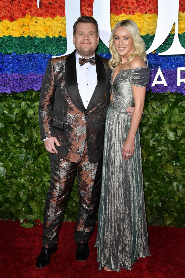 BARNEFRI: James Corden med kona Julia Carey. Foto: NTB Scanpix