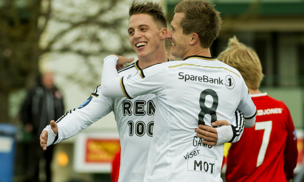 KJENT: Nicki Bille Nielsen spilte tidligere for Rosenborg. Her er han fotografert med lagkameraten Morten Gamst Pedersen i 2014. Foto: Ned Alley / NTB scanpix