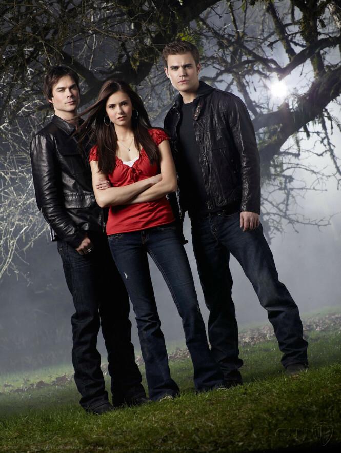 <strong>POPULÆR SERIE:</strong> The Vampire Diaries gikk på tv fra 2009 til 2017. Her er hovedrolleinnhaverne Paul Wesley, Nina Dobrev og Ian Somerhalder. Foto: NTB Scanpix
