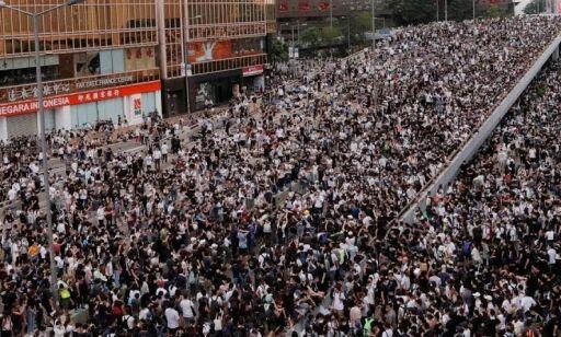 image: Kaos i Hongkong