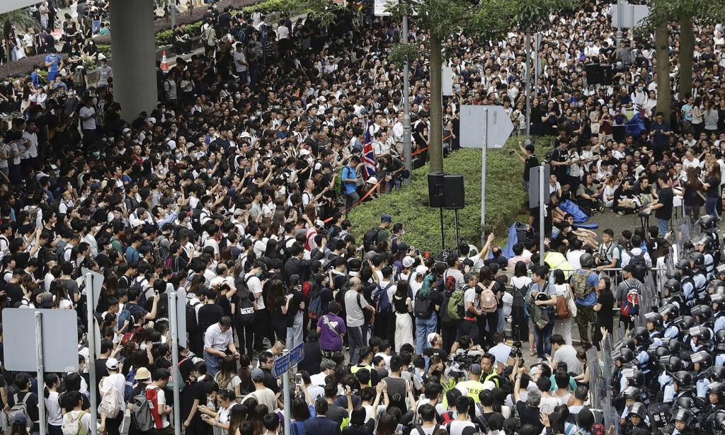 image: Ny lov ville utlevere aktivister - be utsatt etter demonstrasjoner