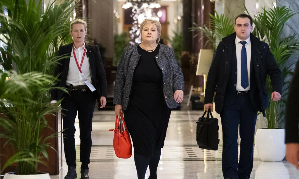 STATSLEDER: Erna Solberg på besøk i St. Petersburg. Nå vokser de indre problemene i regjeringen. Foto: Berit Roald / NTB scanpix