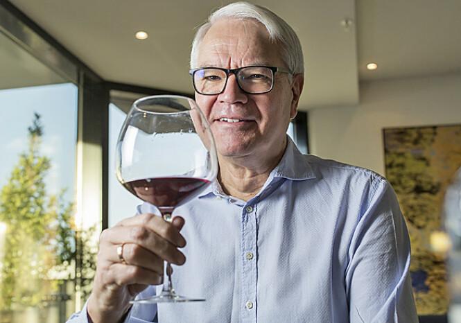 FRANSK OG ITALIENSK: Sigurd Hille har en spesiell forkjærlighet for viner fra Frankrike og Italia. Foto: Silje Katrine Robinson