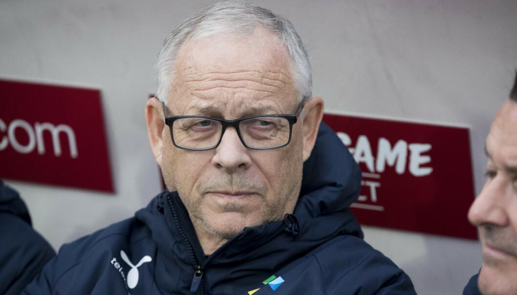 OPP: Lars Lagerbäck og de norske fotballherrene stiger tre hakk til 47.-plass på FIFA-rankingen etter EM-kvalkampene mot Romania og Færøyene.  Foto: Terje Pedersen / NTB scanpix