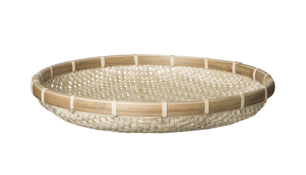 Fat i flettet bambus (kr 70, Granit).