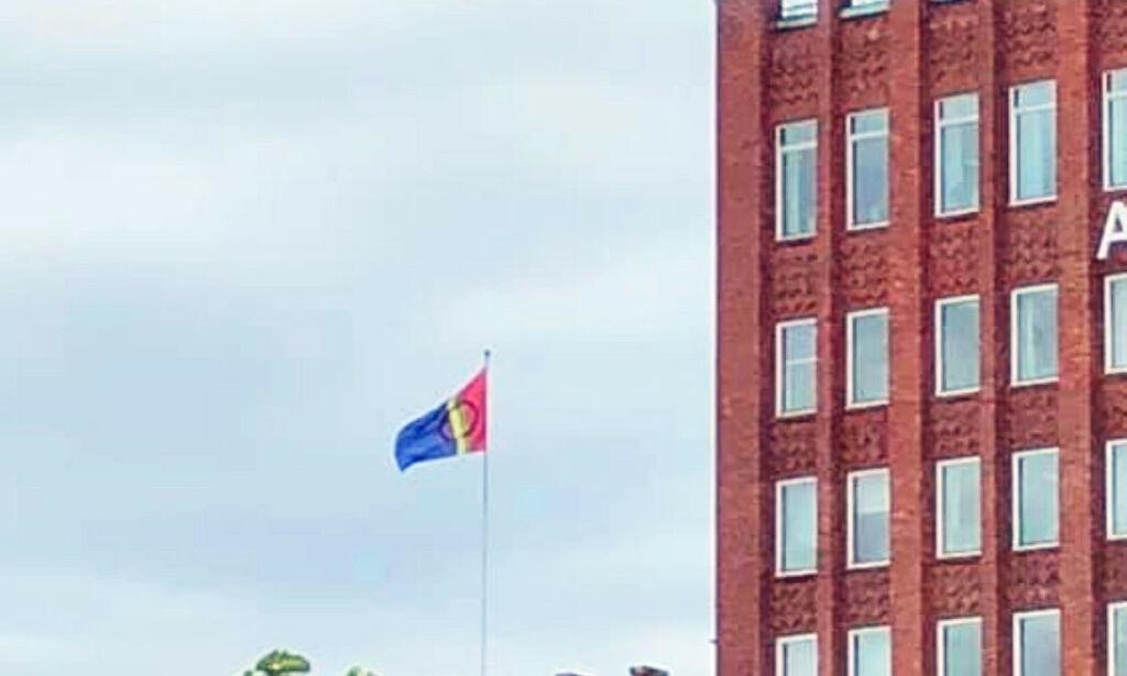 image: Skulle markere Pride - heiste sameflagget