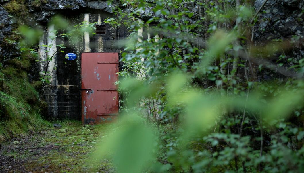 ASKØY: Dette er døren inn til det smittebærende vannmagasinet på Øvre Kleppe. Foto: Eivind Senneset, Dagbladet