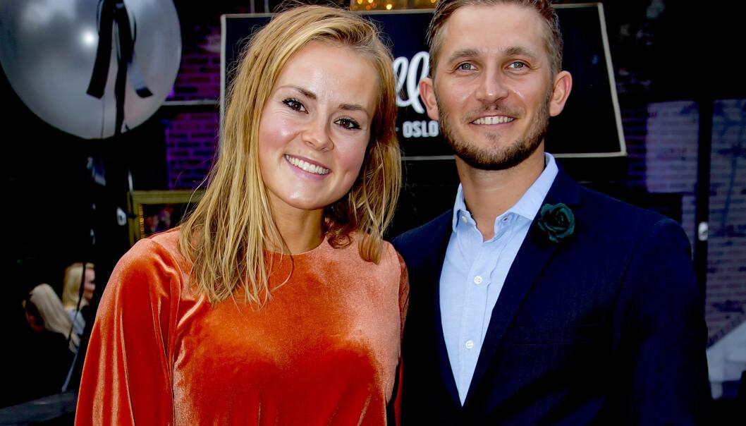 ER GRAVID: Helene Olafsen og Jørgen Nilsen har vært kjærester siden august i fjor. Nå blir de foreldre for aller første gang. Foto: Tore Skaar / Se og Hør