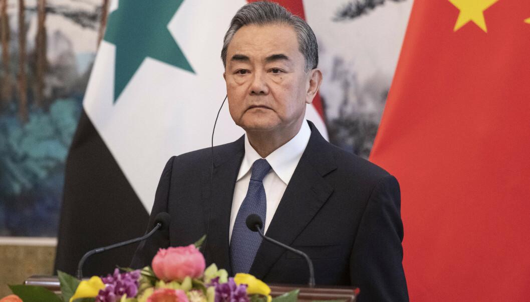 Kinas utenriksminister Wang Yi advarer USA mot å øke presset mot Iran. Foto: Fred Dufour / AP / NTB scanpix