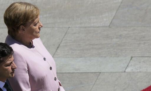 image: Skjelven Merkel vekker oppsikt