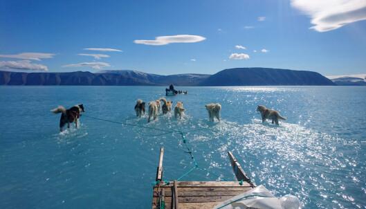 - Isen smeltet under føttene på oss