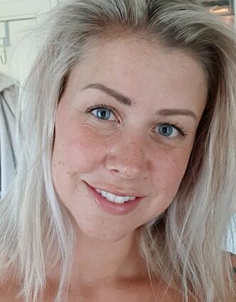 HELT GREIT: Trebarnsmor Mona Cehajic Finstad synes små barn bør få gå med bikinitopp dersom de selv har lyst til det. Hun mener det er vi voksne som bør jobbe med oss selv. FOTO: Privat