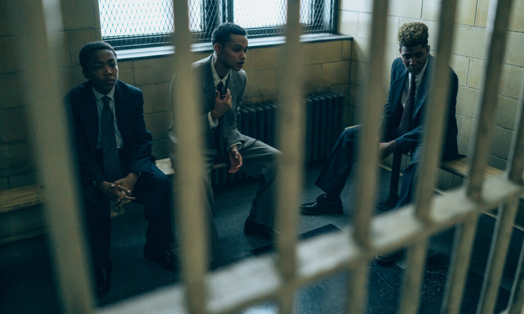 CENTRAL PARK FIVE: De fem guttene ble pågrepet etter at en ung kvinne ble voldtatt i 1989, og seinere dømt. Det skulle gå mange år før de ble frikjent. Her er fra serien «When They See Us». Foto: Netflix