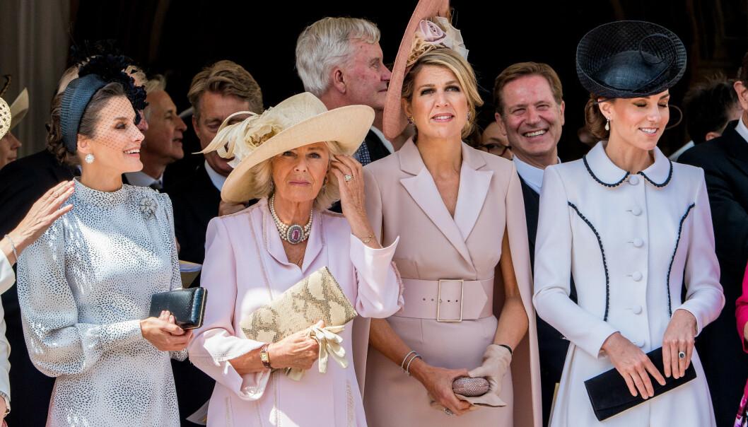 <strong>STASELIG:</strong> Hertuginne Camilla og dronning Maxima av Nederland var også til stede under mandagens seremoni. Foto: NTB Scanpix