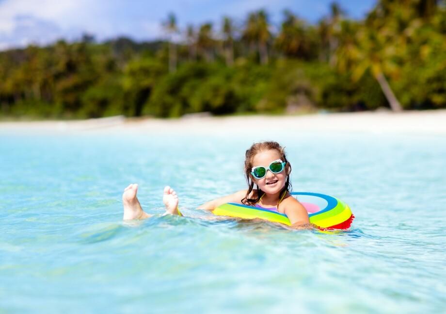 DENGUEFEBER-EPIDEMI: Thailand er et populært reisemål for norske barnefamilier, men er det trygt å reise dit nå som det er rammet av en denguefeber-epidemi? FOTO: NTB Scanpix