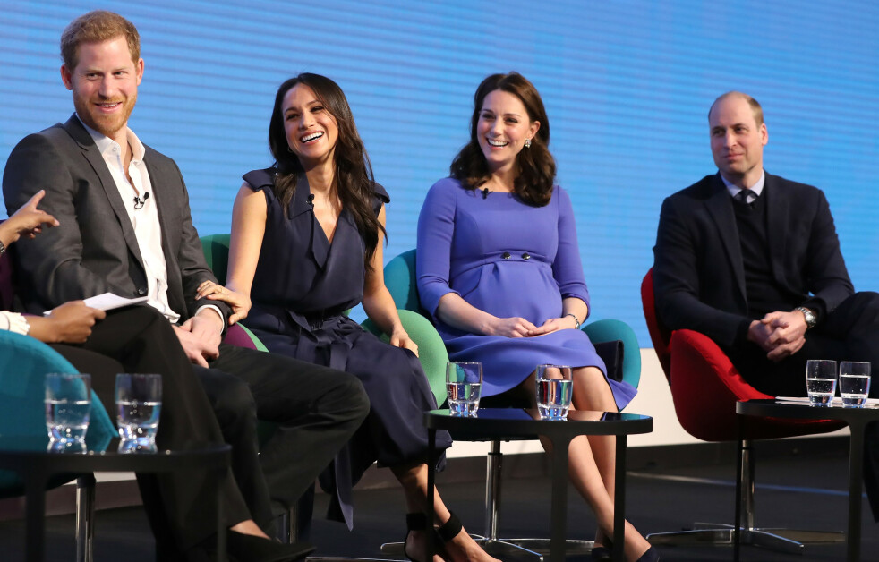 VELDEDIGHET: Firerbanden prins Harry, hertuginne Meghan, hetruginne Kate og prins William deltok sammen på The Royal Foundation Forum i London i februar 2018 - det var første og siste gang de stilte opp sammen i regi av The Royal Foundation. FOTO: NTB Scanpix