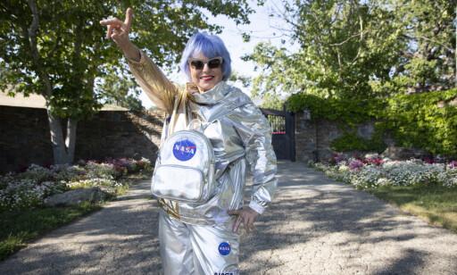 FAN: Polish-American Eva Blaisdell, who is called Lady Rocket, visits Neverlandranchen. Photo: Fredrik Kalstveit