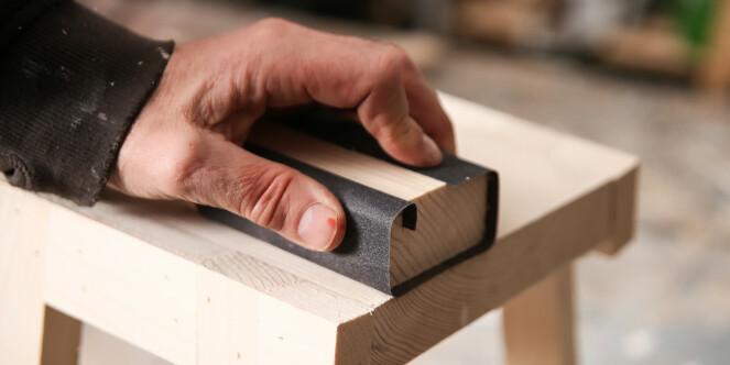 Kloss: Et lite snitt i kossen holder papiret stramt på plass. Foto: Øivind Lie- Jacobsen