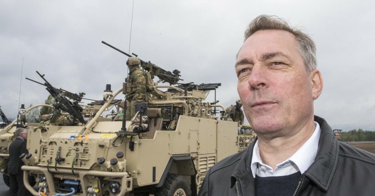 Forsvarsministeren skyter tilbake mot Stortinget