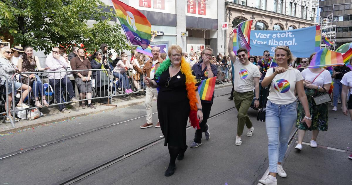 Likestillingsministerens parti stemte mot å flagge på Pride